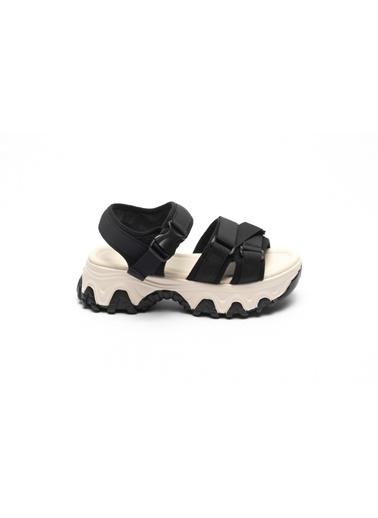 La scada Spor Sandalet Siyah